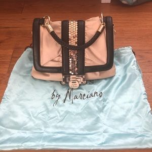 GUESS by Marciano beige and black purse